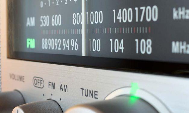 FM RECEPTION WITH THE GNU RADIO COMPANION